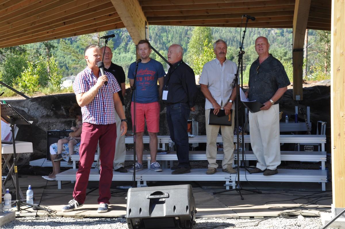 Allsang på øya ved Furuly 15. juni 2014 - 2